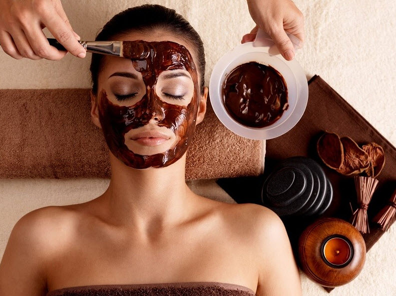 application of a chocolate face mask
